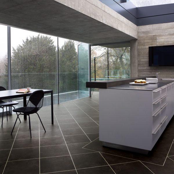 ck25_noir_rs_res_kitchen_image