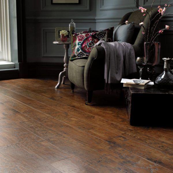 ew01_hickory-paprika_rs_res_living-room_image