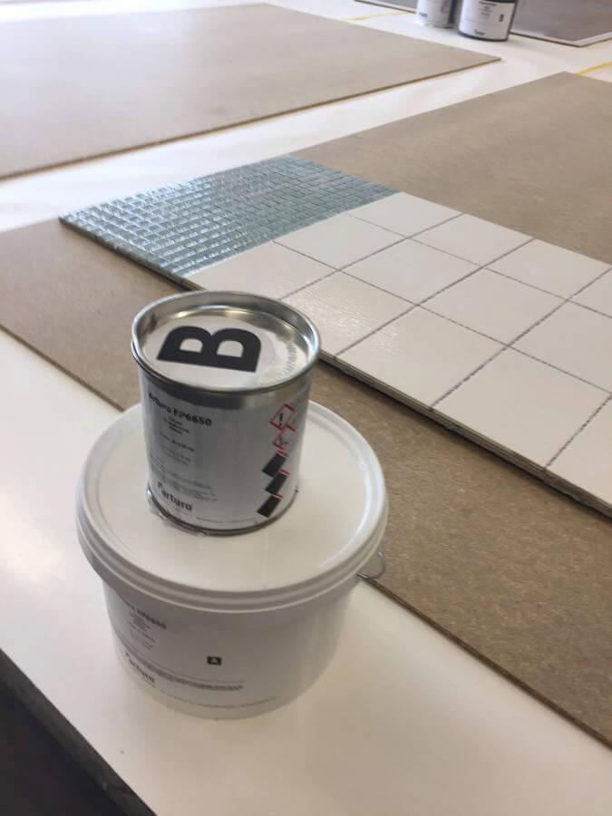 Liata podlaha na dlažbu - najprv treba penetrovať