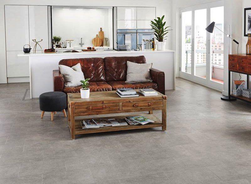 Citlivo spracovany interier s kvalitnou vinylovou podlahou